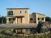 Chalet constructed using high quality materials  Living area 270 m2, plot 15.300 m2, 4 bedrooms, 2 b,Spain