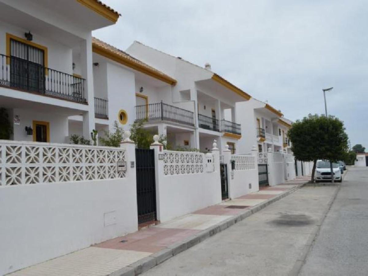 Marbella Banus Adosada en Venta en San Pedro de Alcántara – R3590947