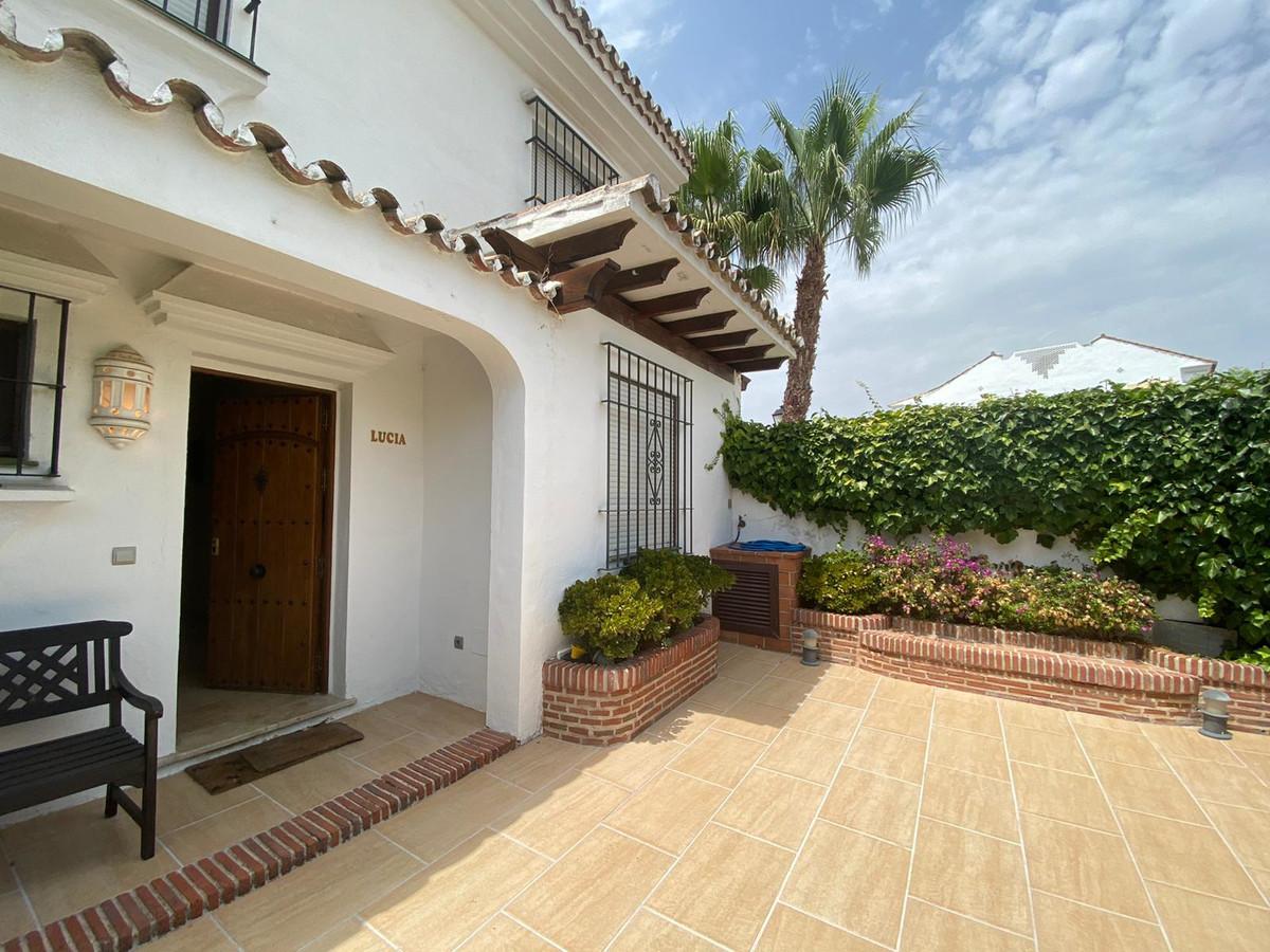 Villa in Cortijo Blanco