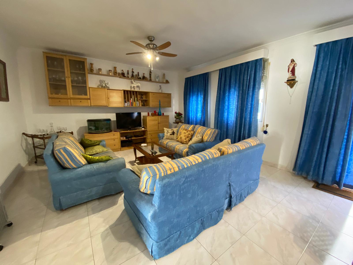 Apartment in the heart of San Pedro, close to all kinds of amenities, such as shops, supermarkets, b, Spain