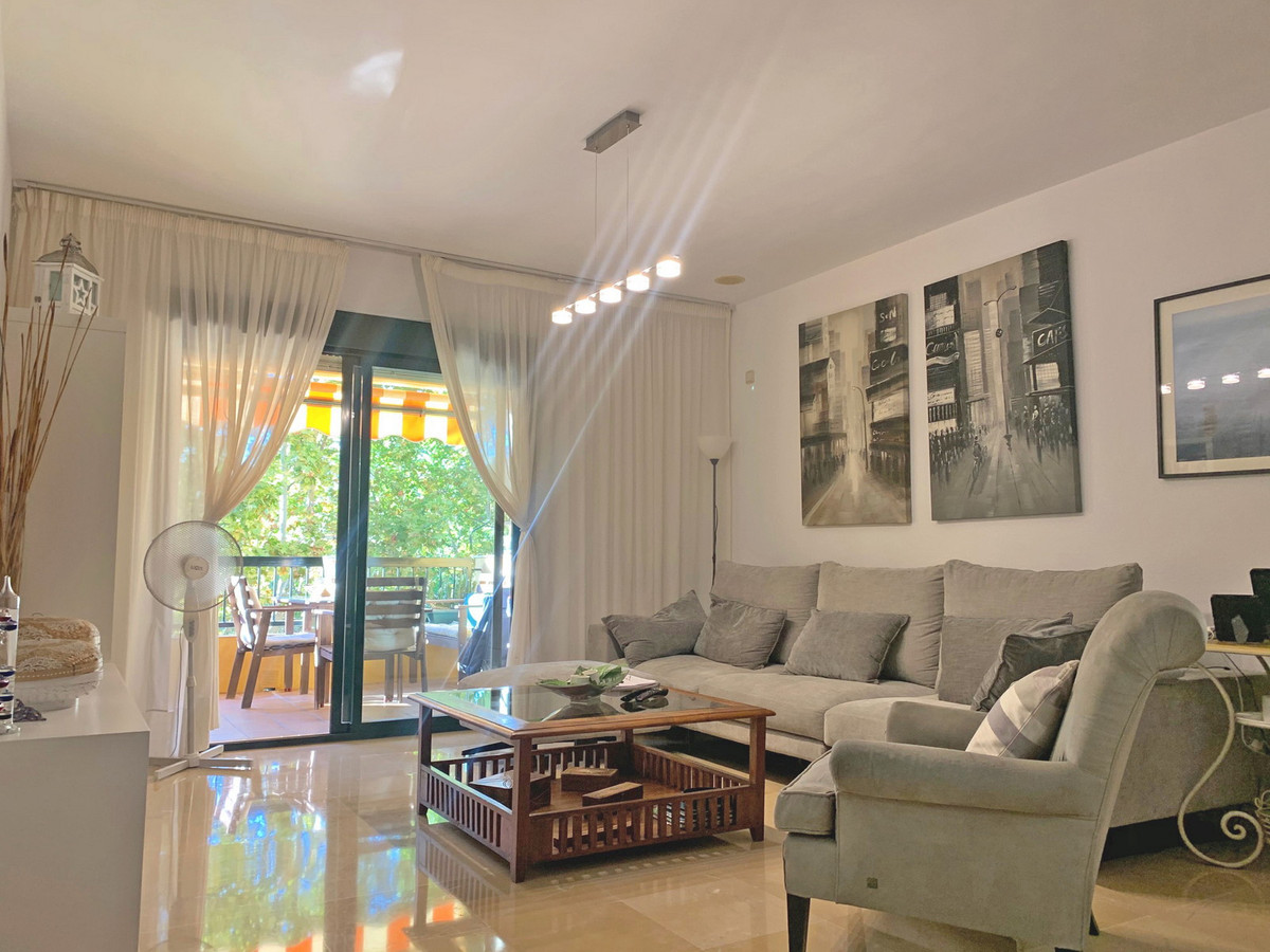 Excellent apartment in excellent condition in San Pedro Alcantara, in one of the best areas, close t,Spain