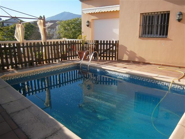 "Splendid house in the ""Gamonal"", a quiet area of ??San Pedro de Alcantara, from where you , Spain"