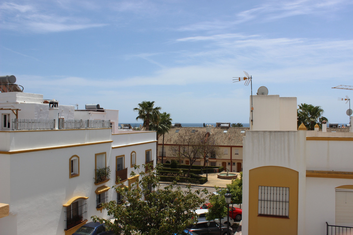 Townhouse in Cancelada R3414736