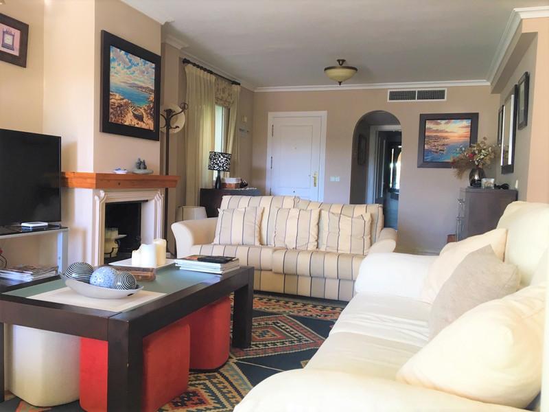 Apartamento Planta Media en venta, Estepona – R3414643
