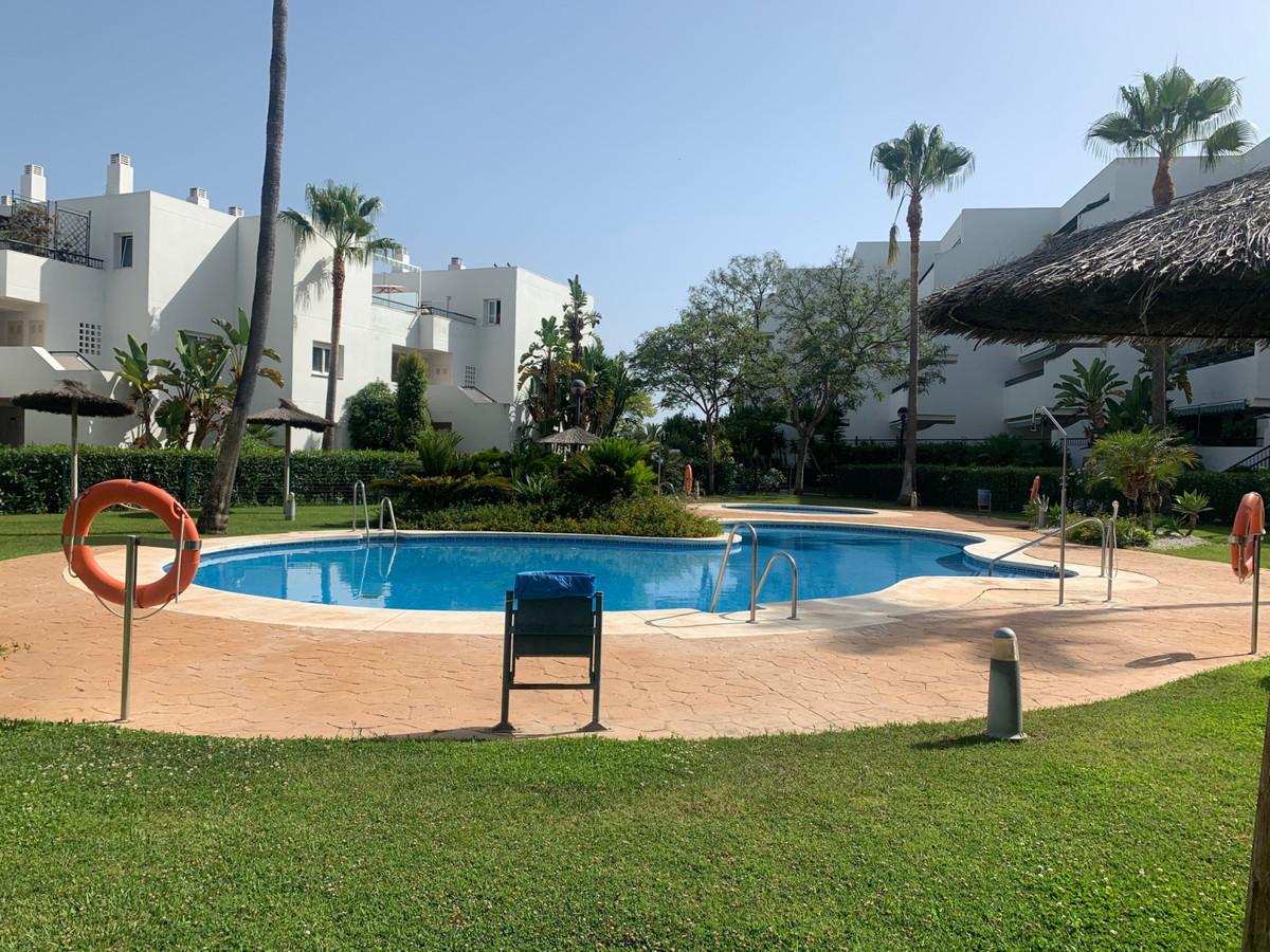 Marbella Banus Apartamento Planta Media en Venta en Guadalmina Baja – R3661181