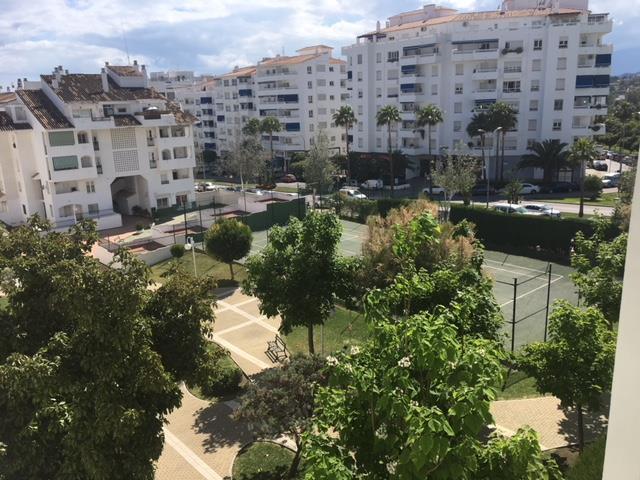 Marbella Banus Apartamento en Venta en Nueva Andalucía – R3414601