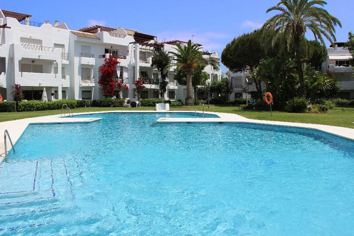 Marbella Banus Apartamento en Venta en Costalita – R3452335