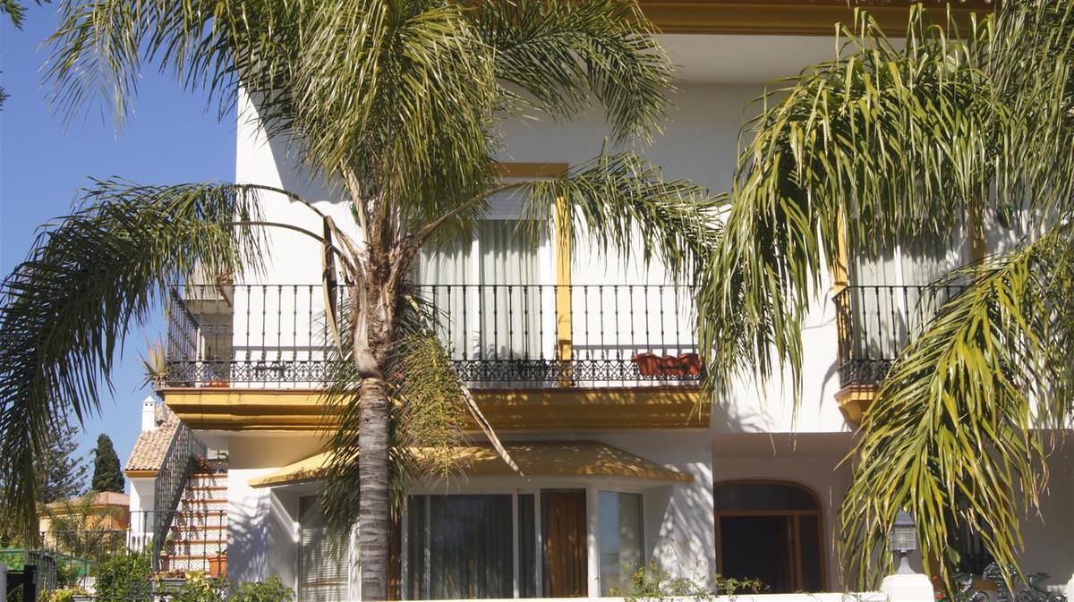 Marbella Banus Adosada en Venta en San Pedro de Alcántara – R3414478