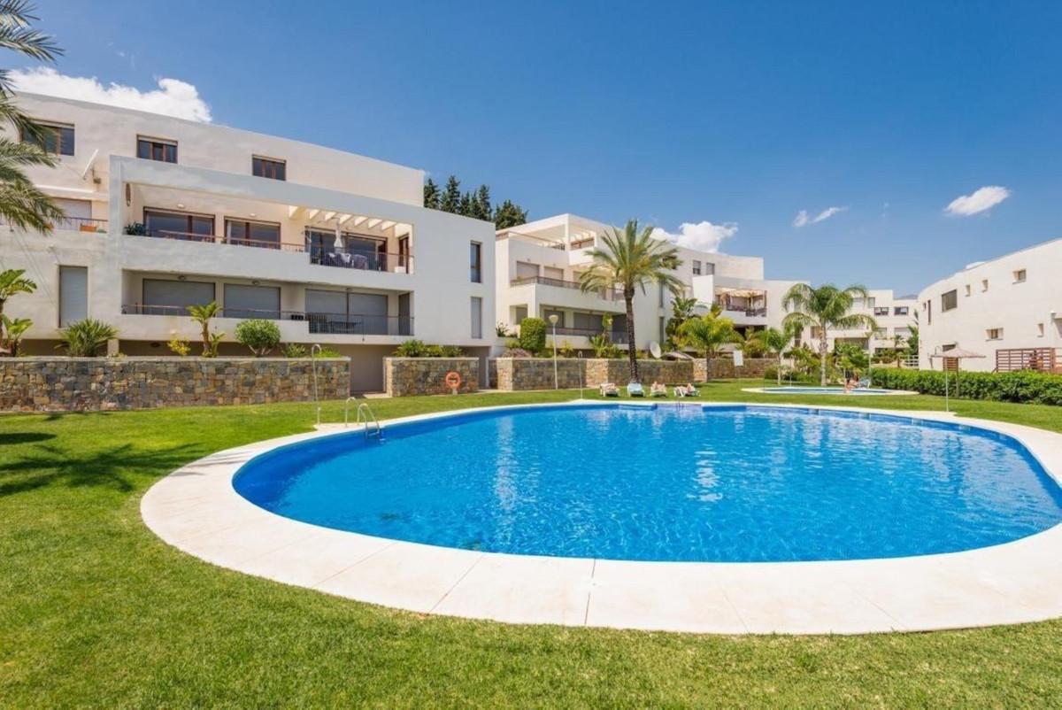 Marbella Banus Apartamento Planta Baja en Venta en Los Monteros – R3095902