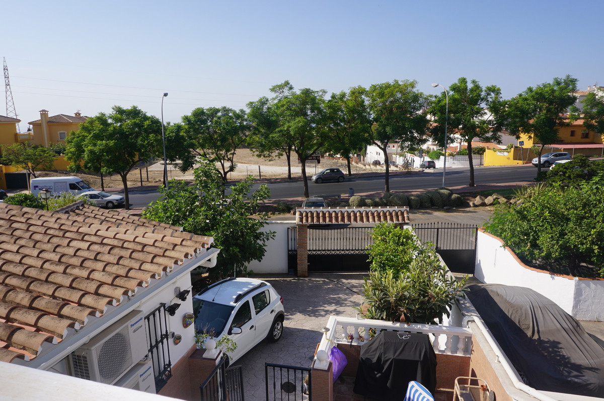 FANTASTIC 2 BEDROOM 2 BATHROOM BUNGALOW   The property is situated in a very quiet urbanization in t, Spain
