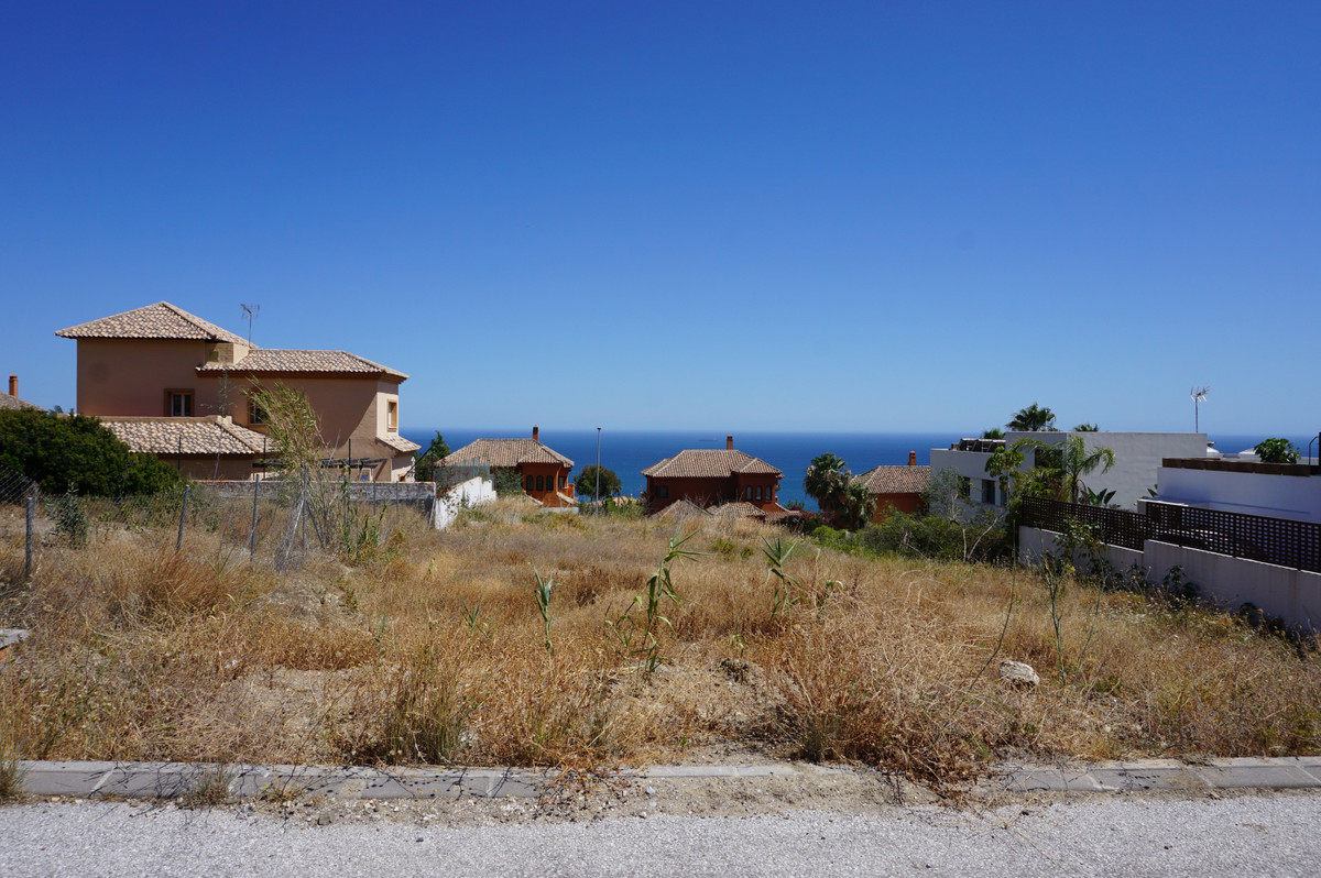 Fantastic residential plot, sea views with license and a project to build a luxurious modern home in, Spain