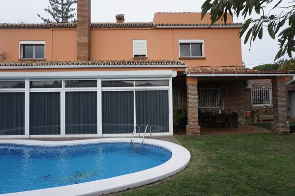 Torcap would like to present to the market, Luxury 4 bedroom 3 Bathroom Villa in central Benalmadena, Spain
