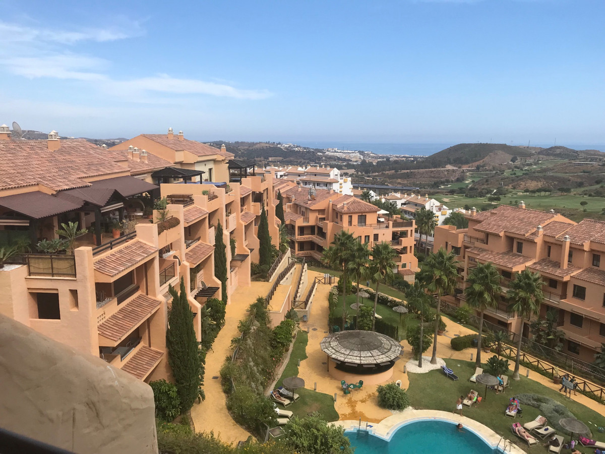 THIS APARTMENT IS LOCATED IN  ONE OF  THE BEST BLOCK OF CALANOVA SEA GOLF.  THIS TWO BEDS, TWO BATHS,Spain