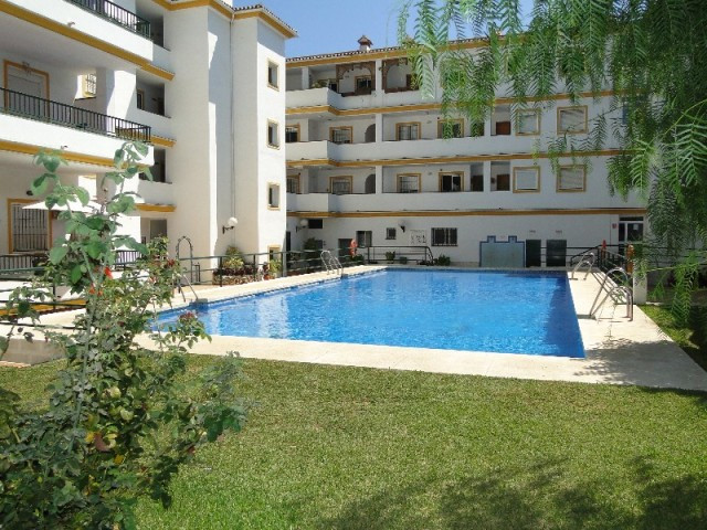 A GREAT POSSIBILITY TO PURCHASE A SPACIOUS 3 BEDROOM GROUNDFLOOR APARTMENT RIGHT IN THE CENTRE OF LA,Spain