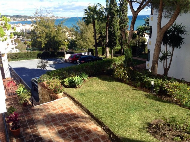 IDEAL LOCATION CLOSE TO AMENITIES AND THE BEACH FOR THIS WELL PRESENTED TWO BEDROOM APARTMENT. SITUA,Spain