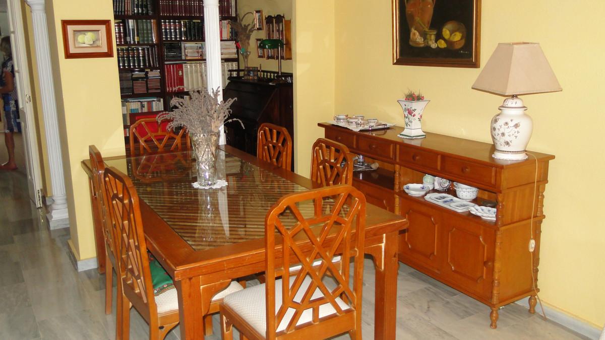 Apartamento Planta Media en Venta en Cabopino – R3514891