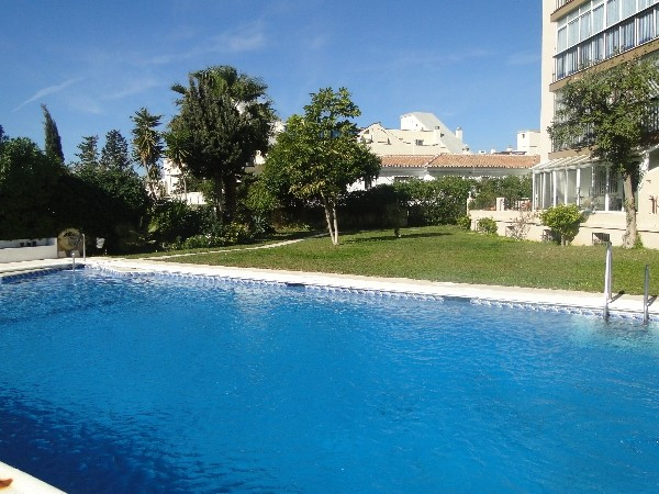 THREE BEDROOM APARTMENT IN FUENGIROLA SITUATED IN AN IDEAL LOCATION CLOSE TO ALL AMENITIES. THE PROP Spain