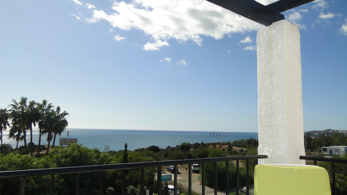 This light and bright top floor apartment with stunning panoramic views over the sea is a great buy ,Spain