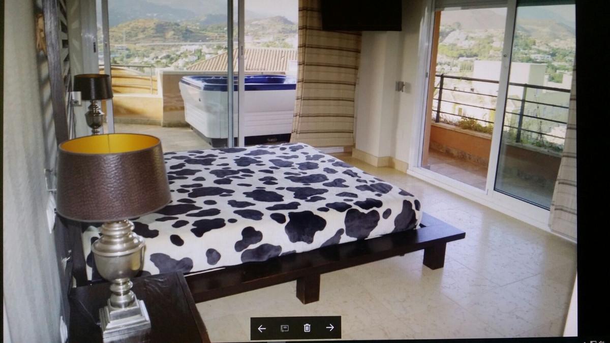 Marbella Banus Apartamento Planta Media en Venta en Nueva Andalucía – R3617516