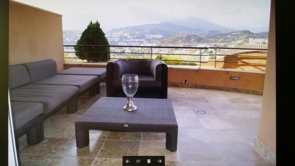 Apartamento Planta Media en Venta en Nueva Andalucía – R3617516
