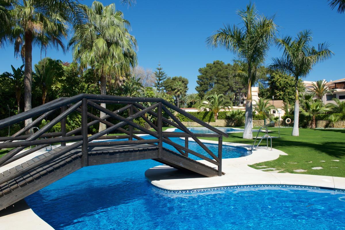 Marbella Banus Ático en Venta en Puerto Banús – R3475687