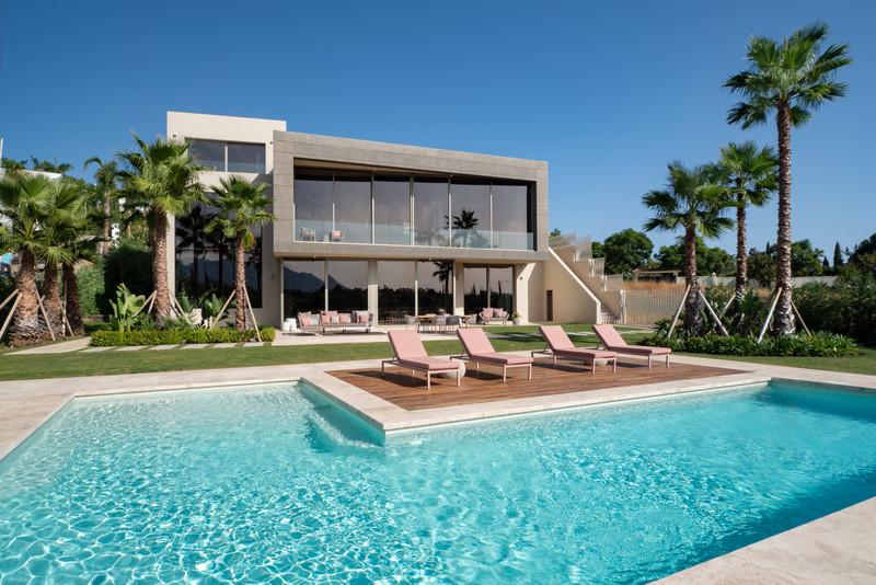 House - Los Flamingos