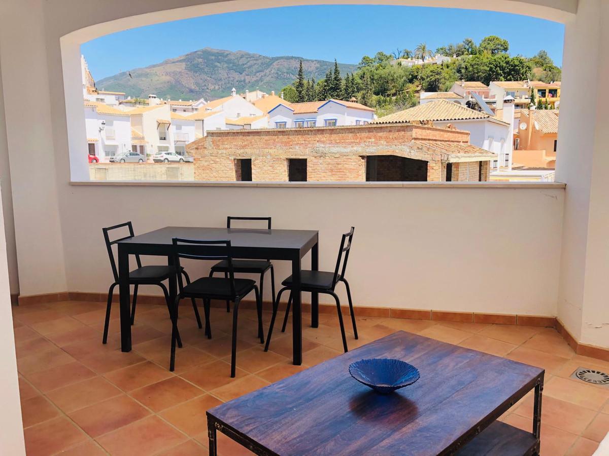 R3434677 | Middle Floor Apartment in Benahavís – € 249,000 – 3 beds, 2 baths