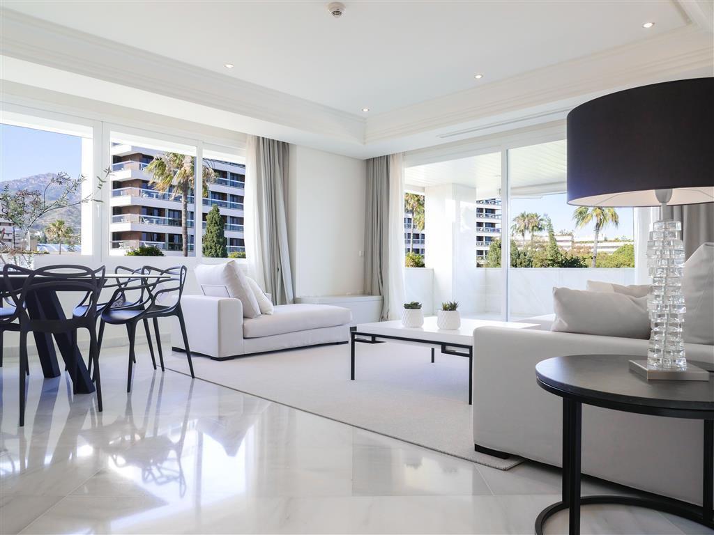 Marbella Banus Apartamento Planta Media en venta en Marbella – R3037922