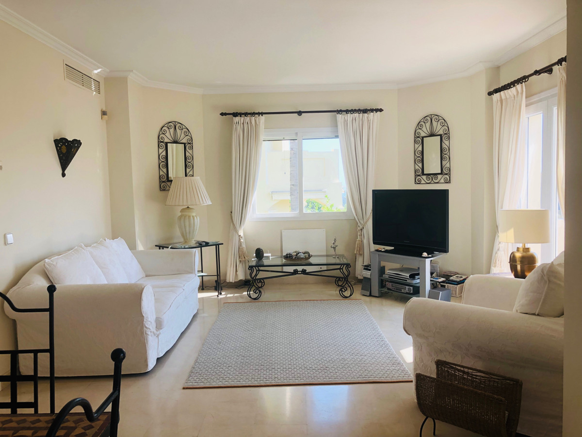 Stunning fully refurbished two bedroom townhouse,duplex  located in the lovely community in La Quint,Spain