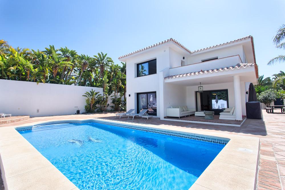 Marbella Banus Villa – Chalet en Venta en Los Monteros – R3181174