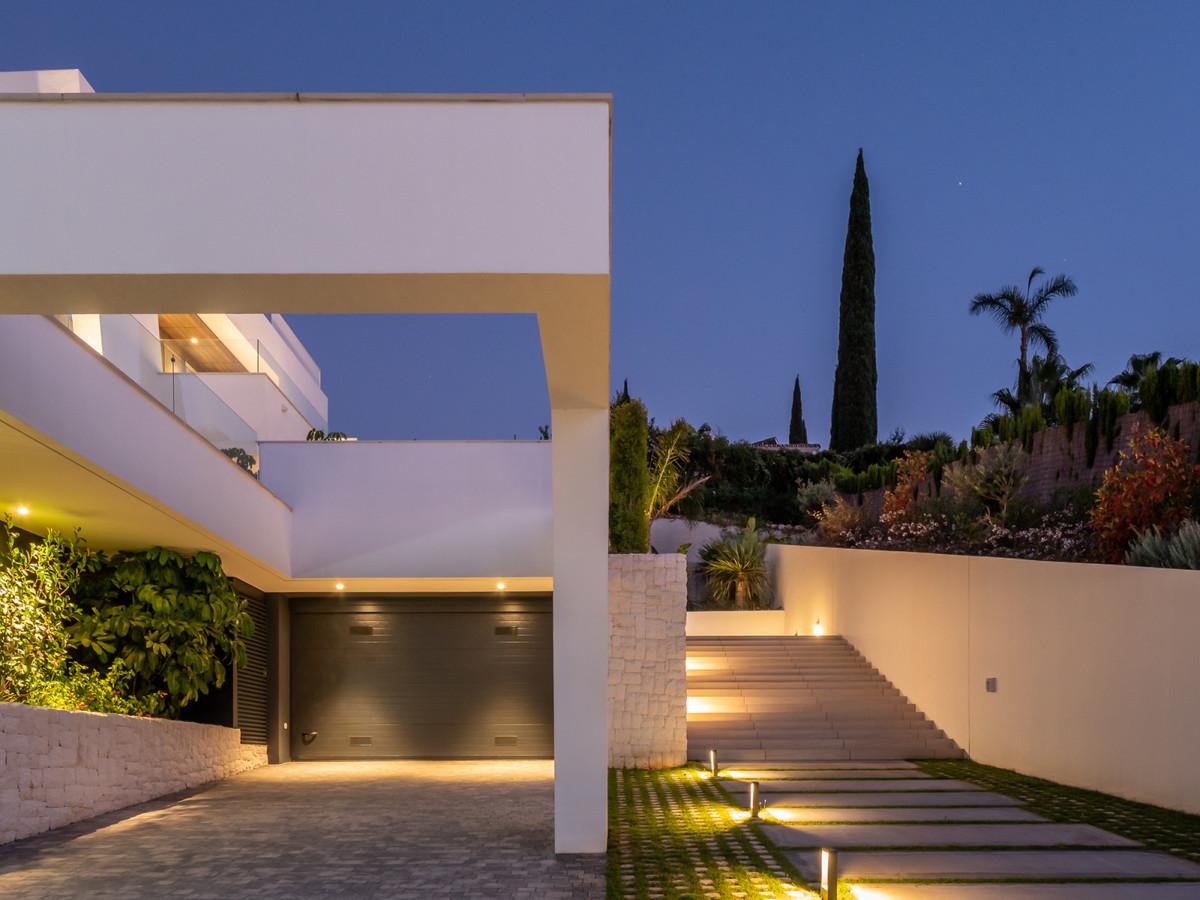 Marbella Banus Villa – Chalet en Venta en Nueva Andalucía – R3540655
