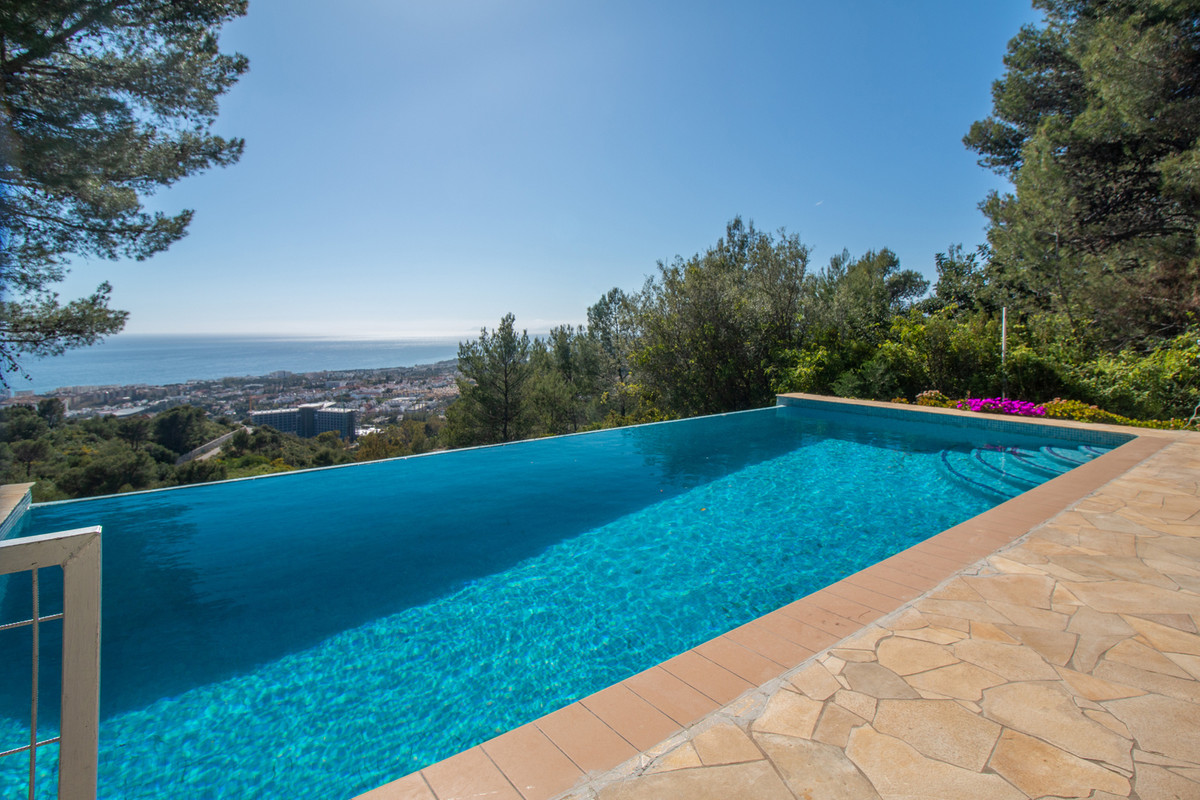 Four bedroom villa situated just off the the centre of Marbella is located in a very tranquil positi, Spain