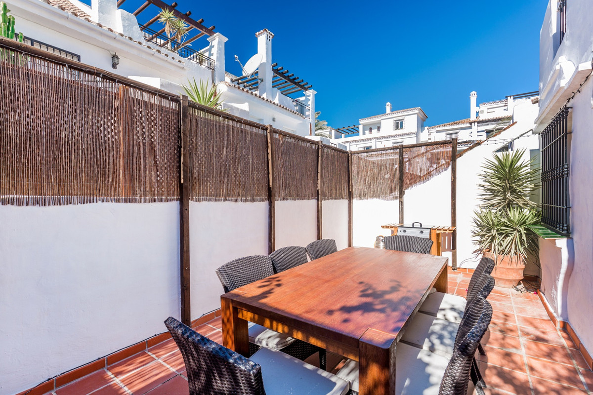5 Bedroom Terraced Townhouse For Sale Nueva Andalucía