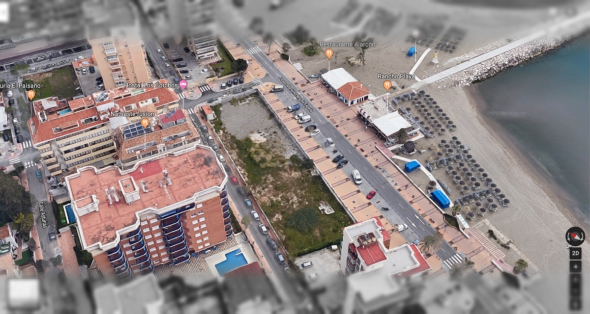 This plot is the last frontline beach plot available in Fuengirola.  The plot is 1994 m2 and the bui, Spain