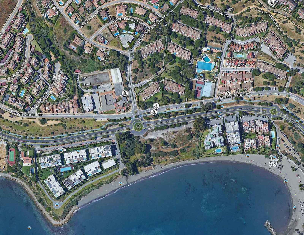 Unique Opportunity! This is a beachfront plot in Estepona, for a hotel project. Located near the Est,Spain