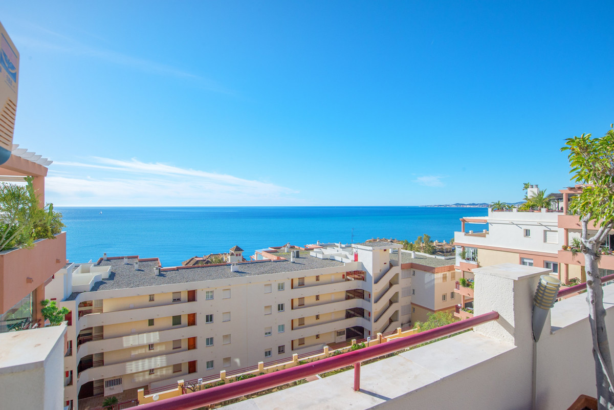 PENTHOUSE - 2 BEDROOMS - BENALMADENA COSTA  Beautiful penthouse located just a few steps from the be, Spain