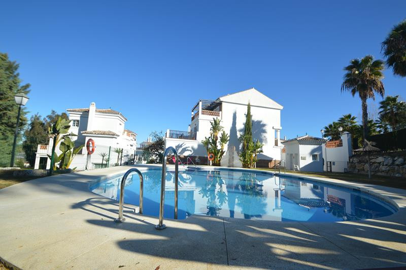 Apartment in Alhaurín de la Torre R3145225 1