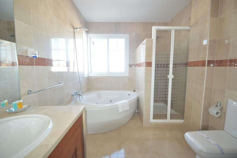 Apartment in Alhaurín de la Torre R3145225 10