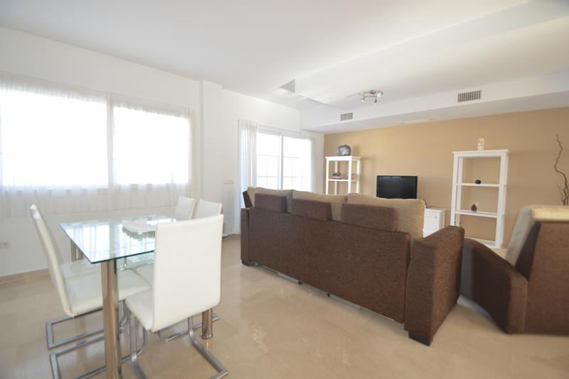 Apartment in Alhaurín de la Torre R3145225 2 Thumbnail