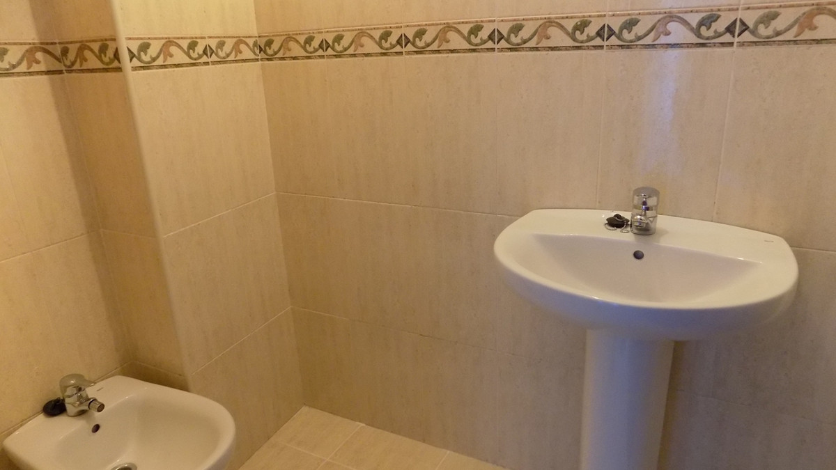 R2945309: Apartment for sale in Coín