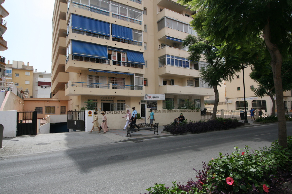 R2963996: Commercial for sale in Fuengirola