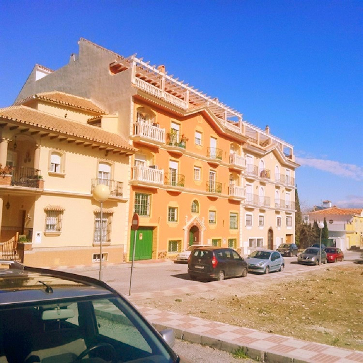 R2877908: Apartment for sale in Alhaurín el Grande