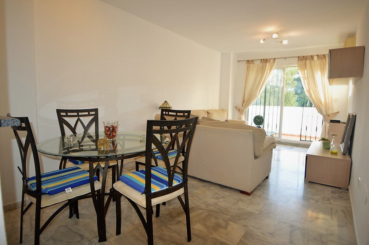 2 BEDROOM TOP FLOOR APARTMENT - LARGE SOLARIUM - BENALMADENA COSTA  Opportunity to purchase a fantas, Spain