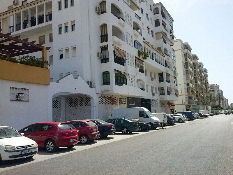 R2732975: Commercial for sale in Fuengirola