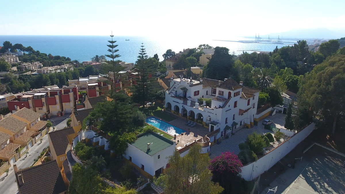 La Hacienda Clavero is a jewel at the heart of the Limonar neighbourhood, in Malaga. Located at the ,Spain