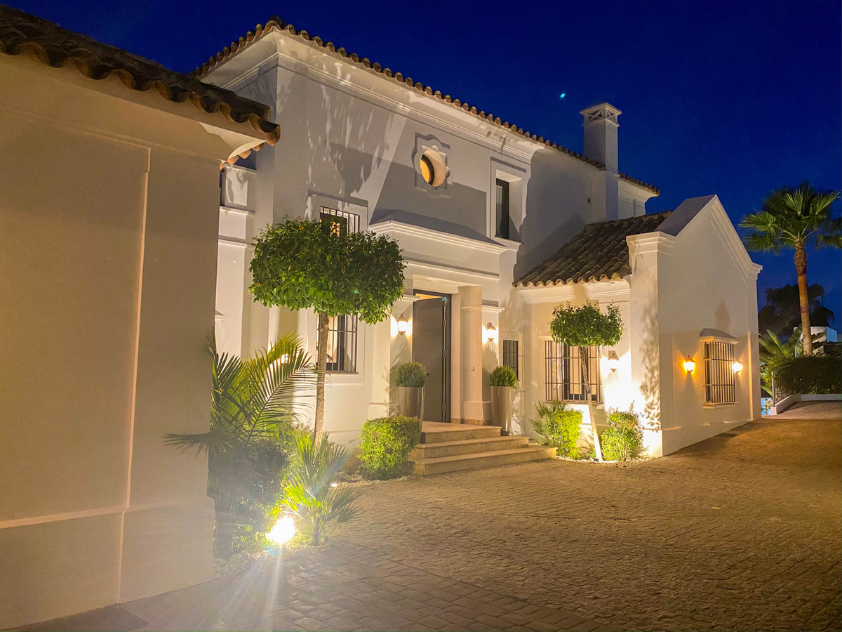New luxurious villa with sea and mountain views in El Paraiso Alto, Benahavis. Located in the top qu, Spain