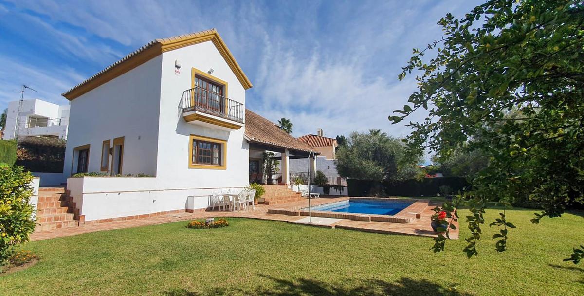 Marbella Banus Villa – Chalet en Venta en Atalaya – R3739894
