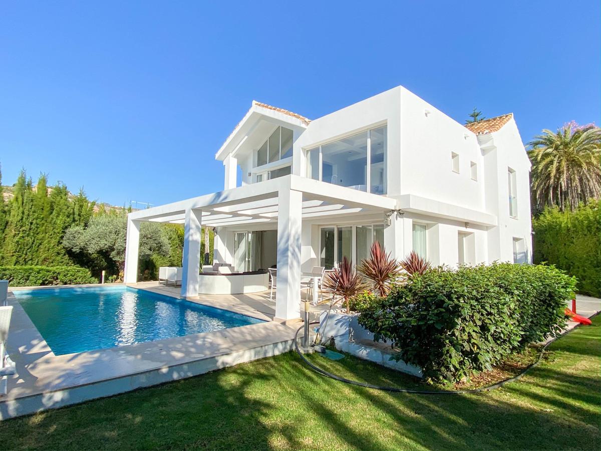 Marbella Banus Villa – Chalet en Venta en El Paraiso – R3752344