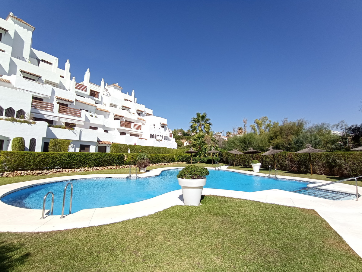 AMAZING ground floor apartment with a large covered terrace, private garden ,  swimming pool ,paddel, Spain