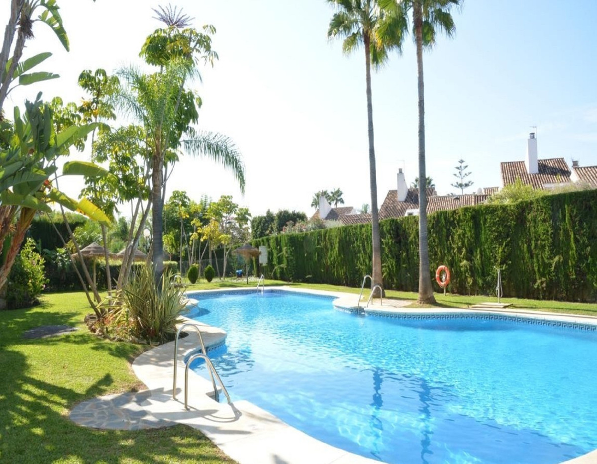 Stunning penthouse with panoramic golf, mountain and sea views through the trees. 3 bedrooms and 3 b,Spain